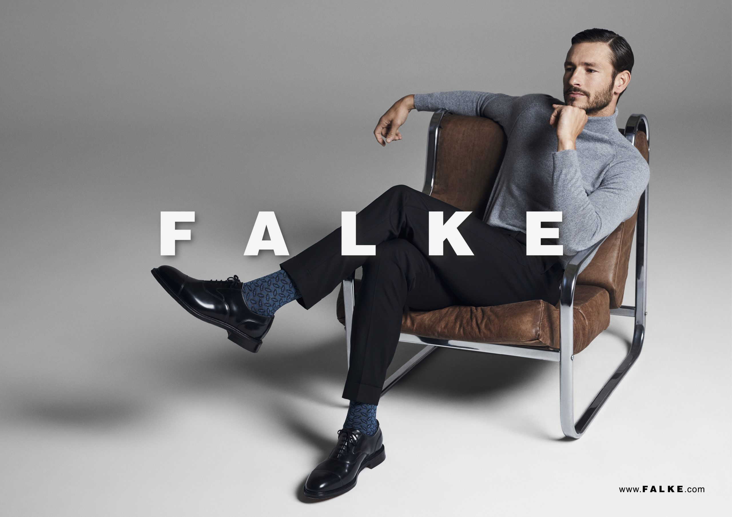 FALKE_fall_winter_2019_original_POS HW19 quer_9-00